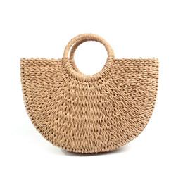 2db8b435de70 Половина круглый соломы мешок женщин ротанга тканые Drawstring сумка модные  трикотажные Плетеные сумки для женщин 2018 Новый