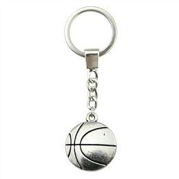 $enCountryForm.capitalKeyWord UK - 6 Pieces Key Chain Women Key Rings Fashion Keychains For Men Basketball 22x18mm