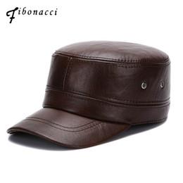 a728563db6c41 ... de alta calidad de mediana edad envejecido gorra de béisbol de los  hombres de cuero de vaca tapa adulta sólido equipado flatcap otoño invierno  sombreros