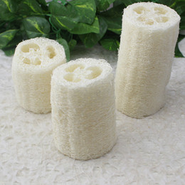 Natural cleaNiNg spoNges online shopping - 4 Inches Natural Flatten Loofah Dish Cleaning Brush Dishwashing Ball Washing up Loofah Sponge Bath Shower Tool AAA990