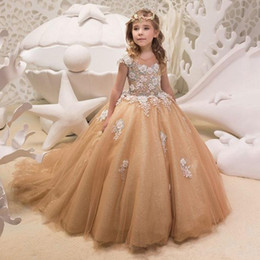 Wholesale New Arrive Champagne Princess Girls Dresses Jewel Sheer Neck Short Sleeves Flower Girl Dresses With Applique Back Lace Up Sweep Train