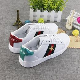 2018 Designer Branco Sapatos Casuais Homens de Luxo Tigre Cobra Pequena Abelha Bordado Apartamentos Clássicos Sapatilha Masculino Sapatos de Caminhada Q-455