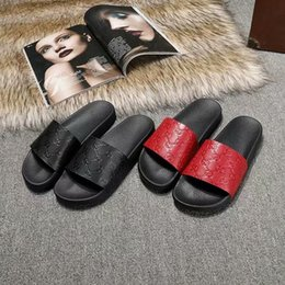 Beds Leather NZ - 2019 mens and womens fashion summer outdoor beach Signature leather slide sandals with Molded rubber foot bed