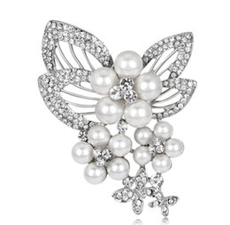 crystal butterfly decor Canada - Rhinestone Pearl Butterfly Brooch Embellishment Bridal Bouquet Broaches Gown Sash Hair Comb Cake Decor DIY Crafts Pearl Butterfly Broach