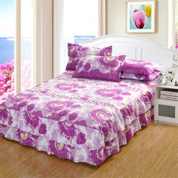 Indie style bedspreads are colorful and unique. They are globally-inspired designs that have a broad range to choose from, such as animal silhouettes and floral arrangements. Indie style bedspreads are ideal if you are looking for a style that is as unique as you are.