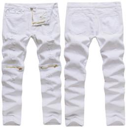 2018 venta caliente de los hombres Casual Cremallera Decoración Agujero  Alto Elástico Delgado Jeans de moda estilo Casual Solid White masculinos  pantalones ... 6a267b90fb2