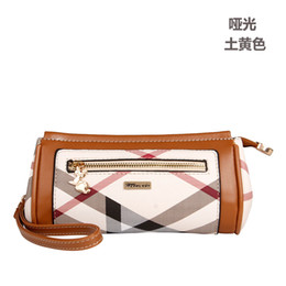 Free Style Wallets NZ - New 2018 women's purse cylinder style wallet outdoor simple PVC small bag 3 color free shipping
