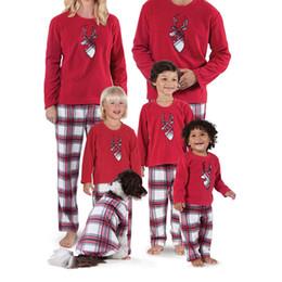 2a4f7ddd97 Conjunto de pijamas de Navidad para niños adultos Familia a juego de renos  a rayas ropa de dormir ropa de dormir Sleepcoat Child Parent HH7-1682