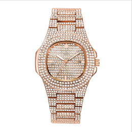 Chinese  Hot sale men fashion watch matching Japan quartz movement high quality diamond calendar watch couple models factory direct first-hand source manufacturers