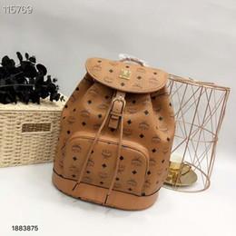 22b8aec40ef4 новая мода женщин и мужчин письмо ПВХ рюкзак Европа и Америка досуг сумка  мешок школы
