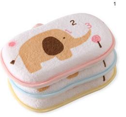 $enCountryForm.capitalKeyWord Australia - Random Color Cotton Baby Care Baby Bath Brushes Character Elephant Printing Sponge Newborn Bathing Supplies Bath Brush