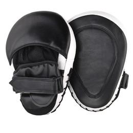 $enCountryForm.capitalKeyWord NZ - 2Pcs  Lot Muay Thai Mma Boxing Gloves Sandbag Punch Pads Hand Target Focus Fitness Training Circular Mitts For Kick Fighting