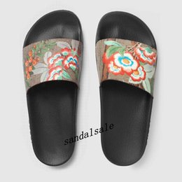 flowers fashion street style NZ - fashion street style flat rubber slides sandals with flower print men and womens outdoor beach slippers with box