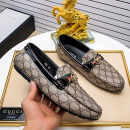 2018 Новые Удобные Мужские Повседневная Обувь Горячие Продажи Мокасины Мужская Обувь Качество Кожаная Обувь Мужчины Квартиры Мокасины Большой Размер 38-44 на Распродаже