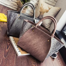 57ca79f742 2017 Autumn Fashion New Lady Handbag Shoulder Bag Trend In Europe and  America Snake Wings Vintage Bag High Quality Free Shipping