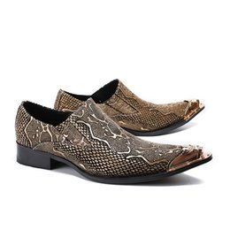 df2b196f14 Zapatos de cuero hechos a mano de los hombres para hombre Oxfords vestido de  fiesta de baile zapato de metal Tip Male Flats Sapatos Masculino