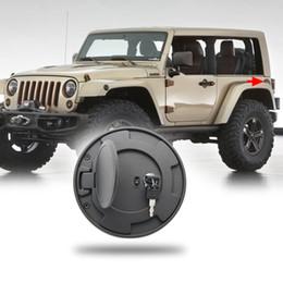 Jeep Gaz Tankı Kapağı Kaplama Siyah Araba Kapı Akaryakıt Kapağı Araba Jeep Wrangler JK 2/4 için Araba Styling Aksesuarları Kapı 2007-2016 yıl