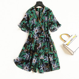 $enCountryForm.capitalKeyWord UK - Chiffon print v-neck butterfly sleeve loose shorts pant jumpsuits 2018 new high quality office lady women summer casual playsuit