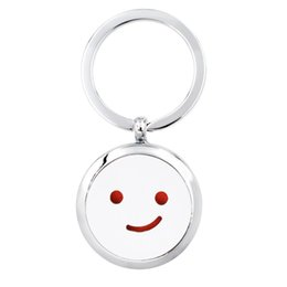 $enCountryForm.capitalKeyWord NZ - Diffuser Key ring Perfume Aromatherapy Essential Diffuser Locket Key chain split key ring Alloy 30mm Hollow Locket with 5pads randomly