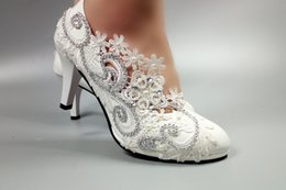 Chinese  New white bud silk flower bride bridesmaid dresses picture taken crystal red diamond women's shoes manufacturers