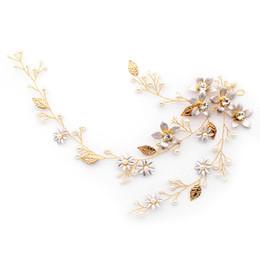Discount european wedding hair accessories - European and American brides ornaments flowers pearls exquisite hairbands headdresses bridesmaids wedding hair accessori