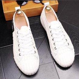 $enCountryForm.capitalKeyWord NZ - 2018 New style Men Fashion Loafers Lace-up Wedding Shoes Moccasins Male Homecoming Men Sneakers Italian Design Loafers Shoes L52