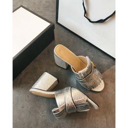 628a681b9fa Fringe Tassel Gladiador sandalias de mujer punta abierta Chunky zapatos de tacón  alto mujeres marca diseño Muller zapatos tamaño 35-40