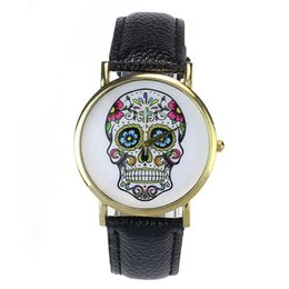 China Woman Watch 2018 Fashion Punk Skull Men Dress Quartz Wristwatches Leather Rivets Bracelet Watches Women Crystal Casual Montre cheap skull wristwatch suppliers