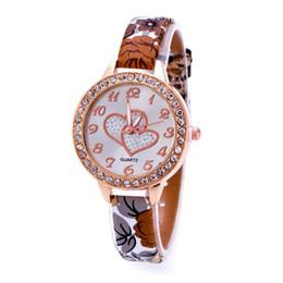 $enCountryForm.capitalKeyWord UK - Fashion Loving Heart Women Faux Leather Strap Band Analog Quartz Wrist Watch Mens Watches Top Brand Luxury Clock