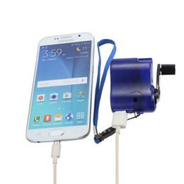 d81cd6aeb23 2017 Nuevo USB de Viaje Cargador de Teléfono de Emergencia Dynamo Manual  Cargador de 3 colores para mp3 mp4 teléfono de Samsung