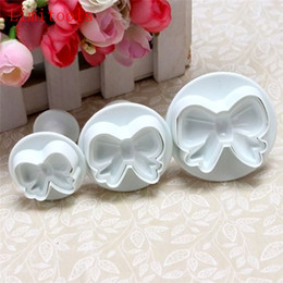 $enCountryForm.capitalKeyWord Australia - 3pcs set Home DIY Bow Knot Bakeware Flower Plunger Cutter Molds Embossed Stamp For Fondant Cake Cookie Decorating Tool