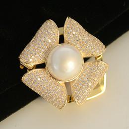 $enCountryForm.capitalKeyWord Australia - High-grade copper zircon pearl brooch fashion clothing accessories scarf clip dual-purpose shawl needle ornaments
