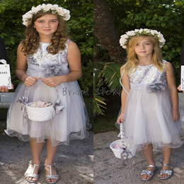 organza junior bridesmaid dresses 2019 - Sparkly Top Sequins Silver Flower Girl Dresses A Line Knee length Organza Short Summer Country Junior Bridesmaid Dresses