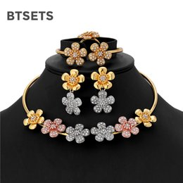$enCountryForm.capitalKeyWord NZ - BTSETS Luxury Bridal Jewelry Sets For Women Indian Turkish Ethiopian Wedding Jewelry Crystal Flower Choker Necklace Earrings Set