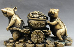 chinese zodiac year statue UK - Chinese Bronze Carved Folk Year Zodiac Wealth 2 Mouse Carry Treasure Bowl Statue