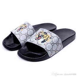 Tigre Pequena abelha designer de slides de Luxo Da Marca Mulheres Sandálias Chinelos Flip Flops Rihanna sandálias das mulheres Não-slip designer Chinelos Tamanho 35-40