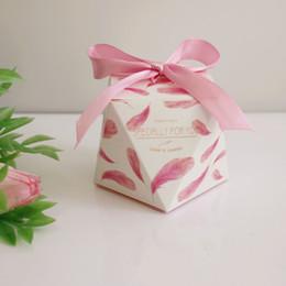 200Pcs European Pink Yellow Purple Wedding Favors Candy Boxes Party Return Gift Box Bomboniera Souvenirs Giveaways