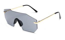 Discount bright sunglasses - New Fashion Trend Irregular One-Piece Sunglasses Stylish Men Women Goggles Rimless Personality Bright Sun Glasses Wholes