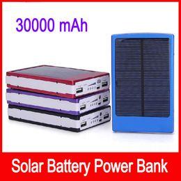 Портативный солнечной батареи зарядные устройства 30000mAh портативный двойной USB солнечной энергии панели Power Bank для мобильного телефона PAD Tablet MP3 MP4 на Распродаже