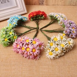 $enCountryForm.capitalKeyWord NZ - 10pcs lot 7 colors Mini Daisy Artificial Flowers Bouquet Multicolor Scrapbooking Flower Leaves Stamen Wedding Box Decoration