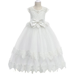 $enCountryForm.capitalKeyWord Australia - Elegant lace appliques Girls Pageant Dresses 2018 Crystal Girl Communion Dress Ball Gown Kids Formal Wear Flower Girls Dresses for Wedding