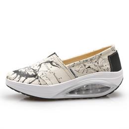 Wholesale Height Increasing Shoes Women Slip On Canvas Cushion Sports Shoes Height Increasing Slimming Rocking Wedge Sneakers Platform