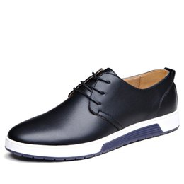 China Luxury Brand Men Shoes Casual Leather Fashion Trendy Black Blue Brown Flat Shoes for Men Drop Shipping suppliers