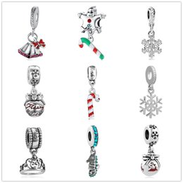 Venta al por mayor de Envío gratis regalo de navidad campana encantos copo de nieve colgante ajuste pandora encantos mujeres hombres diy pulsera joyería ZY011