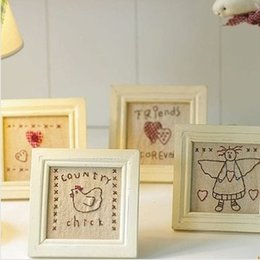 Discount wholesale picture frames free shipping - Free Shipping! 4pcs lot Eco-friendly Wooden Picture Frame Linen Cloth with Hand-made Embroidery Gift Home Decoration P10