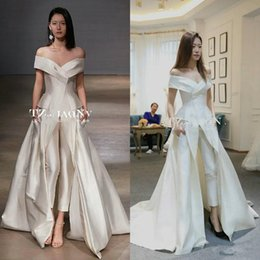 China 2018 Off-shoulder Garment wedding Jumpsuit with train Custom Make Vestidos Festa Women Fashion bridal wedding gown Zuhair murad supplier zuhair murad wedding dress back suppliers