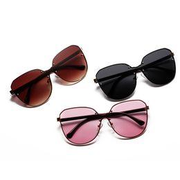 Unisex Brand Women Men Sunglasses Cat Eye Luxury Design Sun Glasses Ladies  Clear Oversized Shades Beachwear 2018 Eyewear Female c71537d402