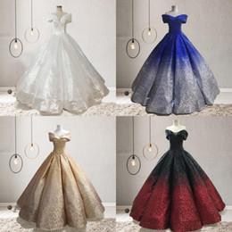 2019 Quinceanera Vestidos Fora do Ombro Vestidos de Baile Descolor Lantejoulas Vestidos de Baile Babados Até o Chão Princesa Bling Casamentos Vestidos de Noiva em Promoção