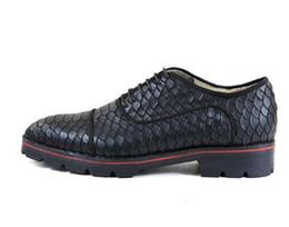 Men Alligators Shoes NZ - 2018 Men Alligator Leather Flats Lace-up Anti-skid men Oxford Breathable Camping Shoes for Men Red Black Green EU39-EU46