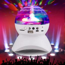 Venta al por mayor de Altavoz Bluetooth con luz incorporada Show Party / Disco DJ Stage Studio Efectos de iluminación Color RGB que cambia la bola de cristal LED